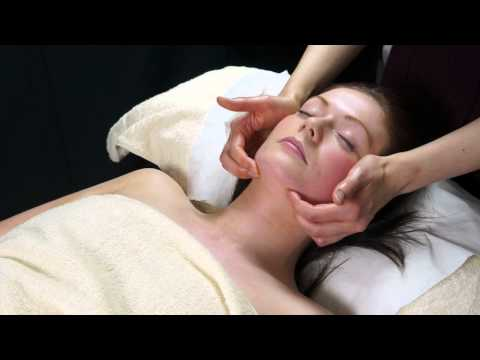 Experience & Scalp Massage – Aromatherapy Tactics